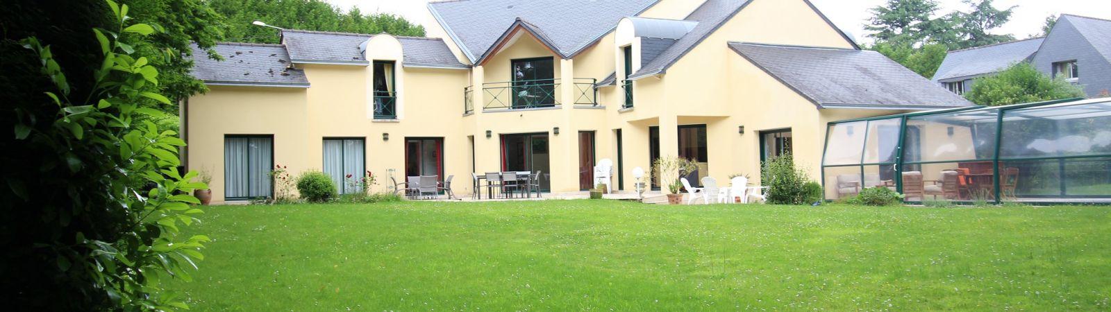 photo 2: Très belle propriété contemporaine à Saint-Grégoire