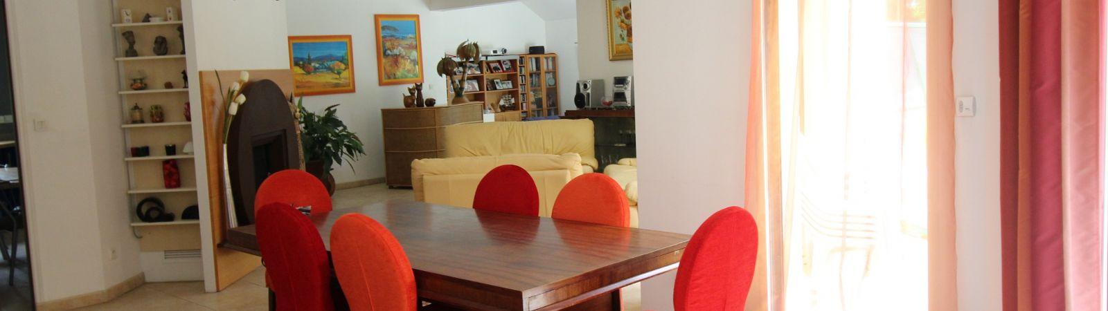 photo 4: Très belle propriété contemporaine à Saint-Grégoire