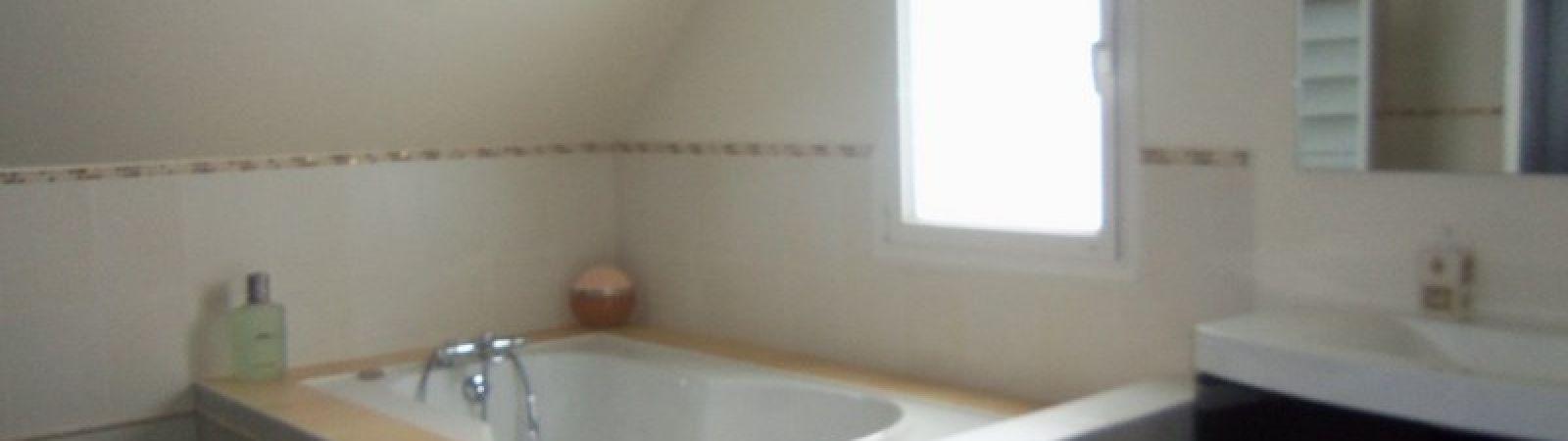 photo 12: Superbe maison contemporaine avec piscine intérieure