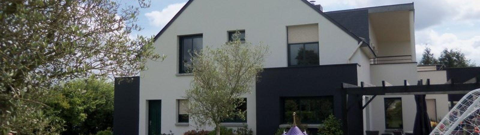 photo 2: Superbe maison contemporaine avec piscine intérieure