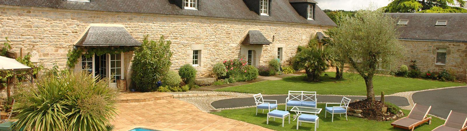photo 1: Magnifique propriété en pierre avec prestations de standing