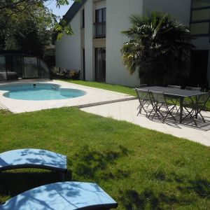 photo 1: Maison Le Rheu 9 pièces 310 m2
