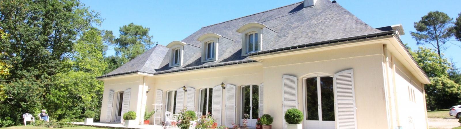 photo 2: Maison située dans un secteur calme et recherché de Vannes