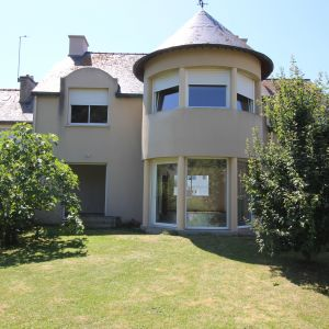 photo 1: Magnifique maison à quelques mètres de la plage