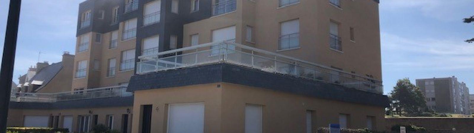 photo 3: Appartement offrant une splendide vue panoramique sur la mer